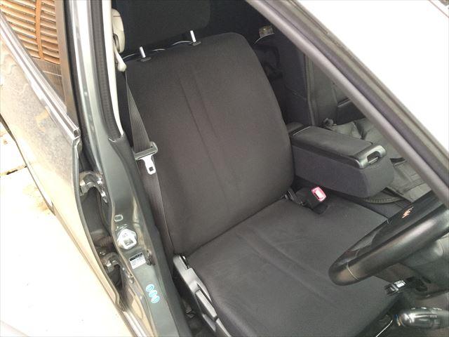 普通の車のシートです。