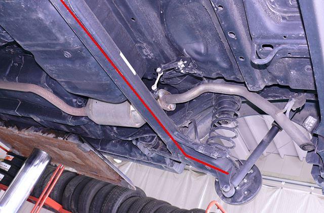 ソニカのリアタイヤは車軸懸架2