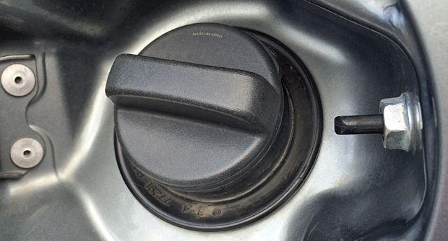 ガソリンタンクキャップ