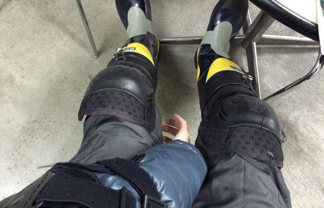 長靴に膝・肘あて