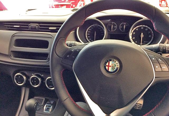 イタリア車の車内はシンプル?