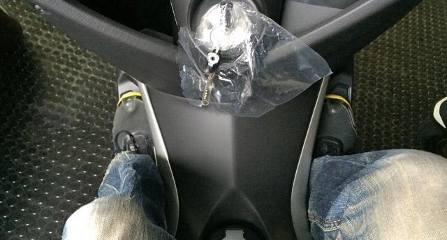 N-MAXだと足ははみ出さない
