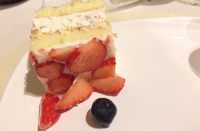 ビュッフェスタイルデザートケーキ
