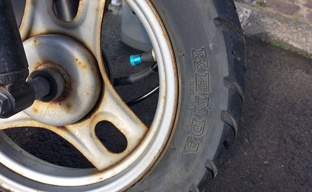 kenda製フロントタイヤ