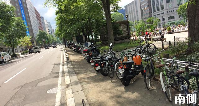 3丁目南側はバイク駐車パラダイス