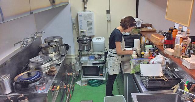 キッチン。元は中華料理屋。