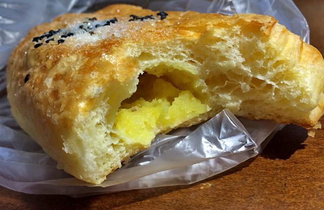 サツマイモの甘みとパン生地の柔らかい噛み応え