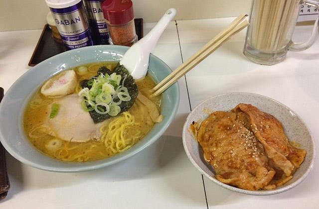 ラーメン+豚丼セットで750円