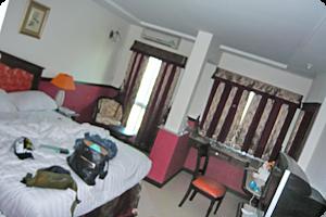 一般の部屋。ダブルベッド