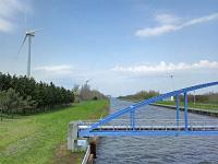 石狩市の風車と放水路
