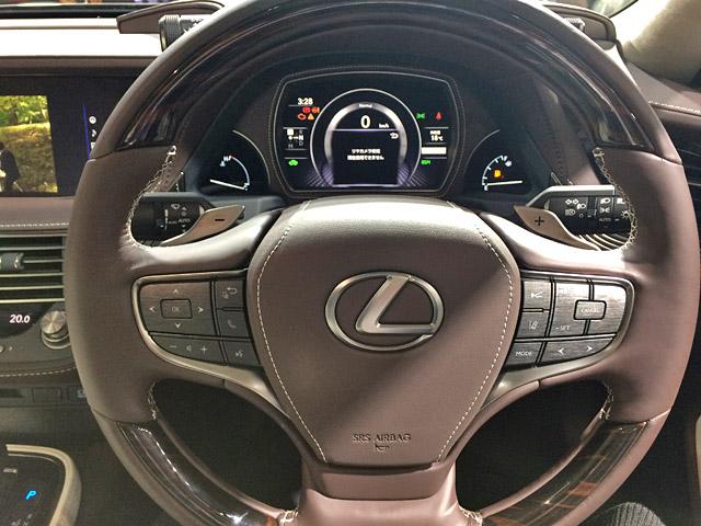 LS500h-ドライバーズシート