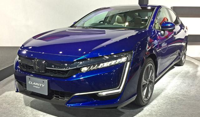 札幌モーターショー燃料電池クラリティー