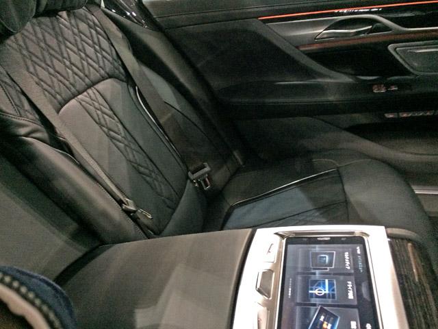 M760Li xDrive-後席シート