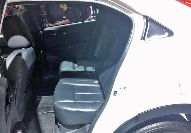 イクリプスクロス-柔らかいシートで座り心地が良い後席