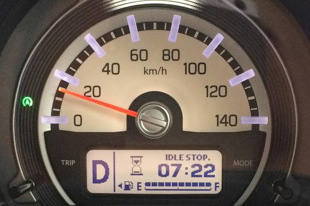 時速18km/h付近でエンジン停止。