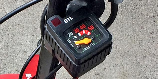 モトコンポのスピードメーターは時速50km/hまで