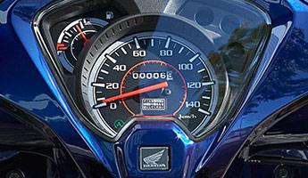 ディオ110のスピードメーターはアナログ