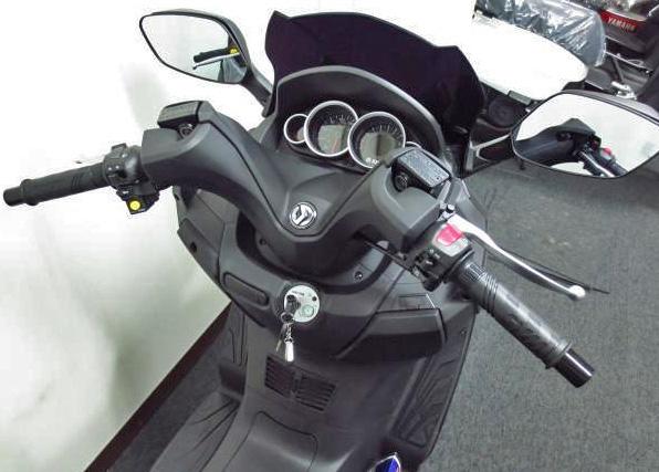 ジョイマックス125ccのハンドル