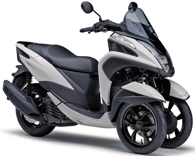 ヤマハ新型トリシティ125、3輪トライクでヘルメット