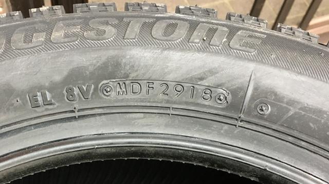アマゾンでタイヤを購入。製造年は新しいので心配ない。安心です。