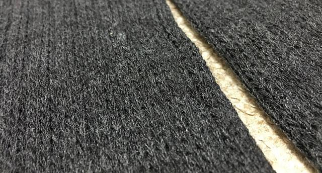 ブレスサーモ生地はモコモコに編みこまれている