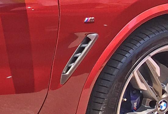 BMW X4 M40iのエア・ブリーザーダクト