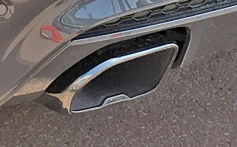 BMW X4 M40iのマフラー