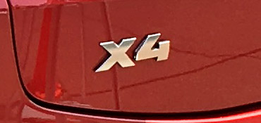 BMW X4 M40iのエンブレム