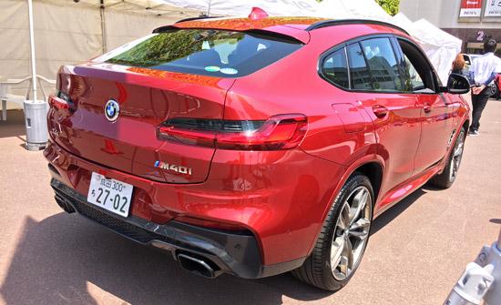 BMW X4 M40iのリアビューその2