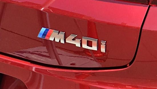 BMW X4 M40iのMバッジ。