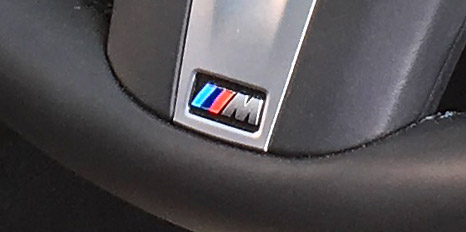 BMW X4 M40iのハンドルMバッジ