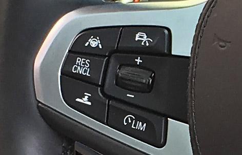 BMW X4 M40iのACC設定ボタン