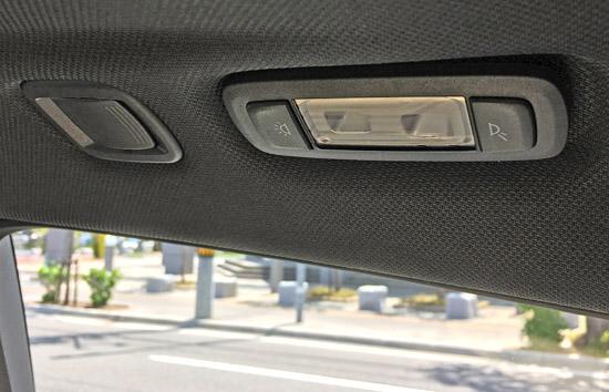BMW X4 M40iのリア天井照明ライトスイッチ