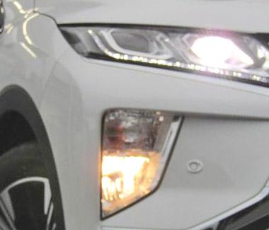 LEDランプとフォグライトを点灯