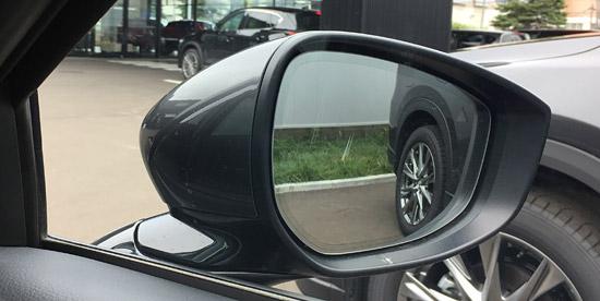 バック駐車に見やすい角度に変化