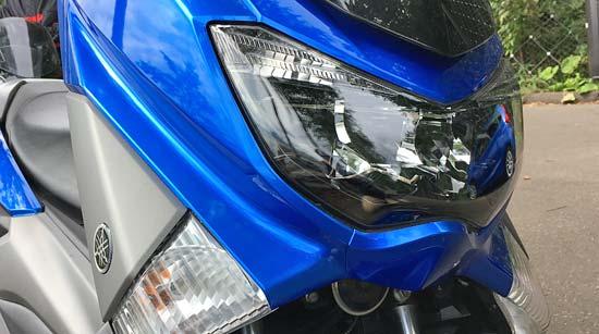 N-MAXのヘッドライト
