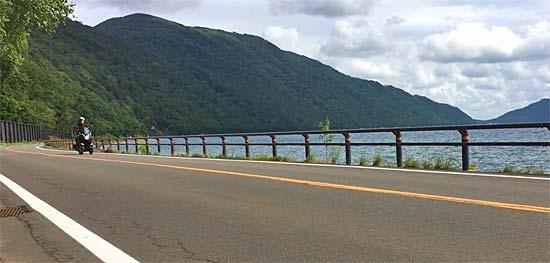 支笏湖とトリシティ125