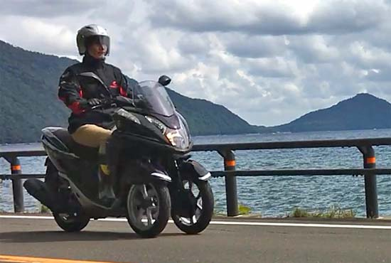 支笏湖とトリシティ125その3