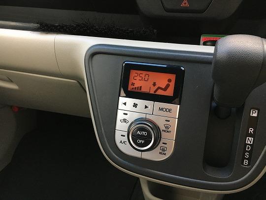 パッソのエアコン調節パネルボタンとダイヤル