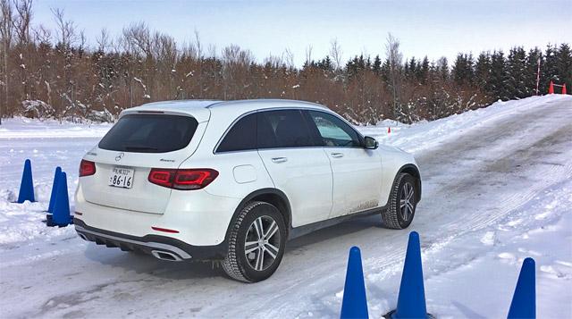 GLC220d 4maticで雪の坂道発進