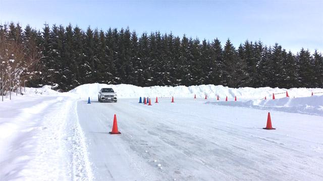 GLC220d 4maticで雪の急発進