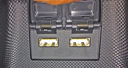 ロッキーの後席用USB充電ポート2