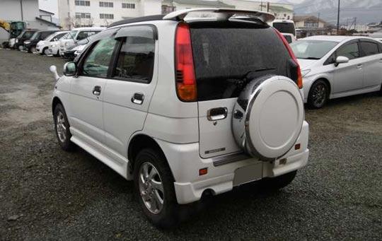 ダイハツの軽SUV、テリオスキッドのリアデザイン