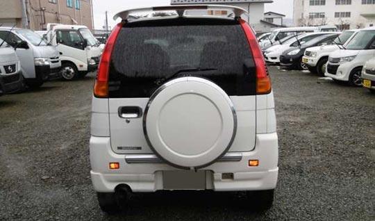 ダイハツの軽SUV、テリオスキッドのバックドアデザイン