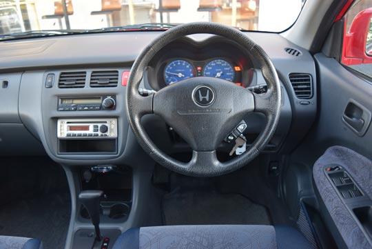 ホンダのSUV、HR-Vの運転席