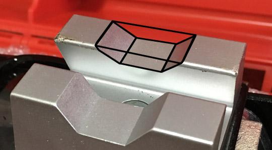 MSJ-850の受け金具のくぼみを埋めるアルミパーツ