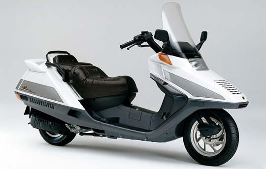 乗り降りラクチンなスクーター・ホンダフュージョン