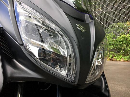 バーグマン400のLEDヘッドライト