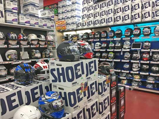 フルフェイス・ジェット・システムなど大量のヘルメット在庫