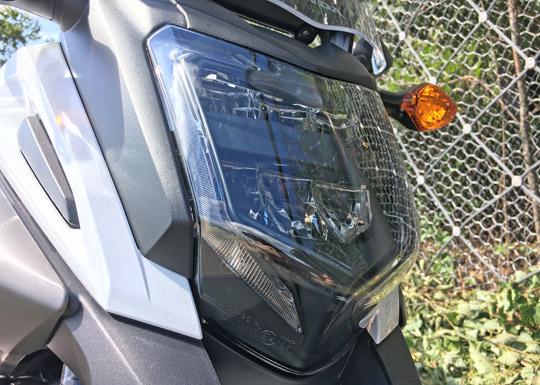 NC750XDCTのヘッドライト